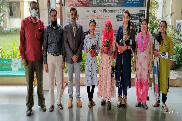 Felicitation of Institute toppers in S-2020 MSBTE Examination